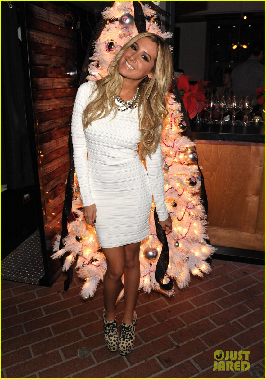 ashley tisdale blondie girl holiday party 22
