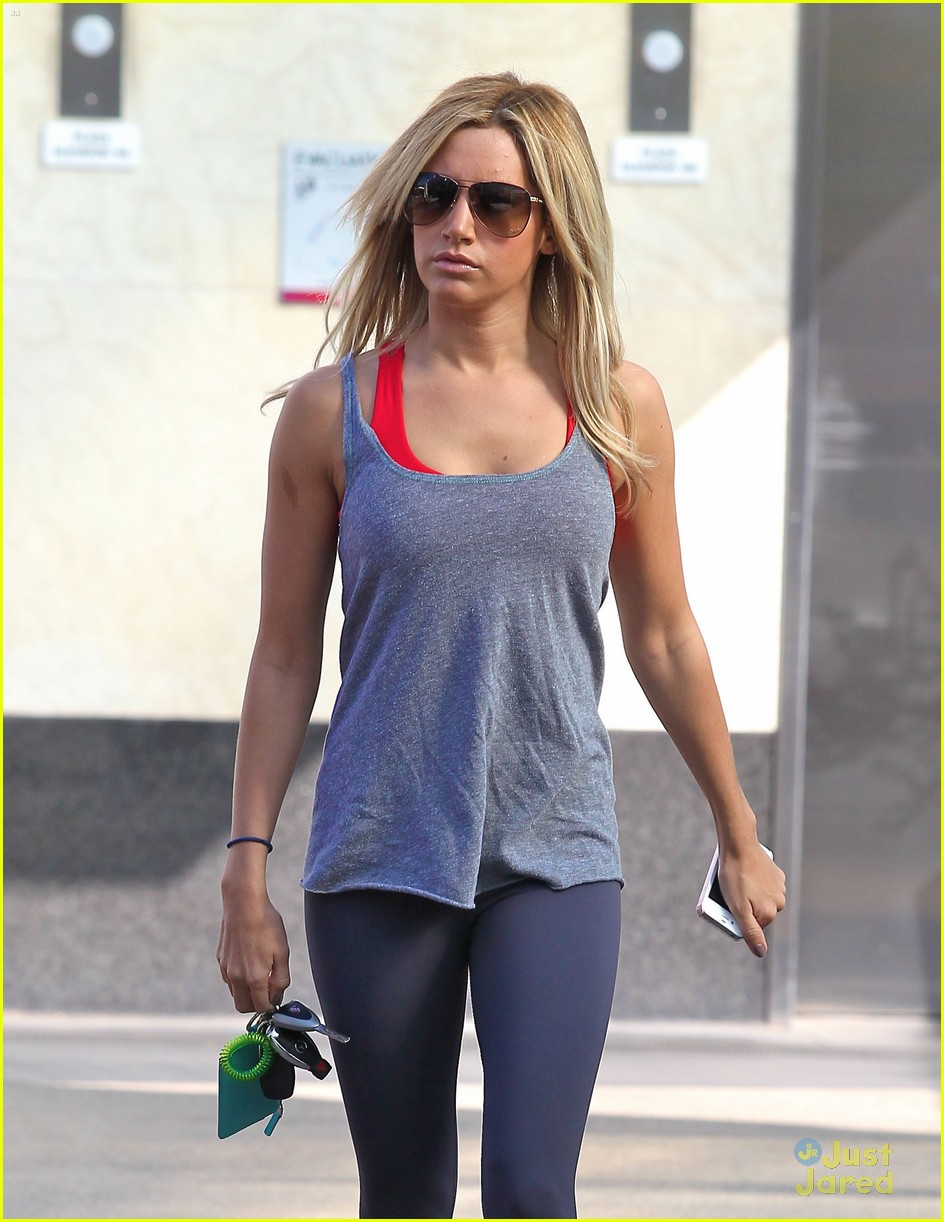ashley tisdale equinox stop 02