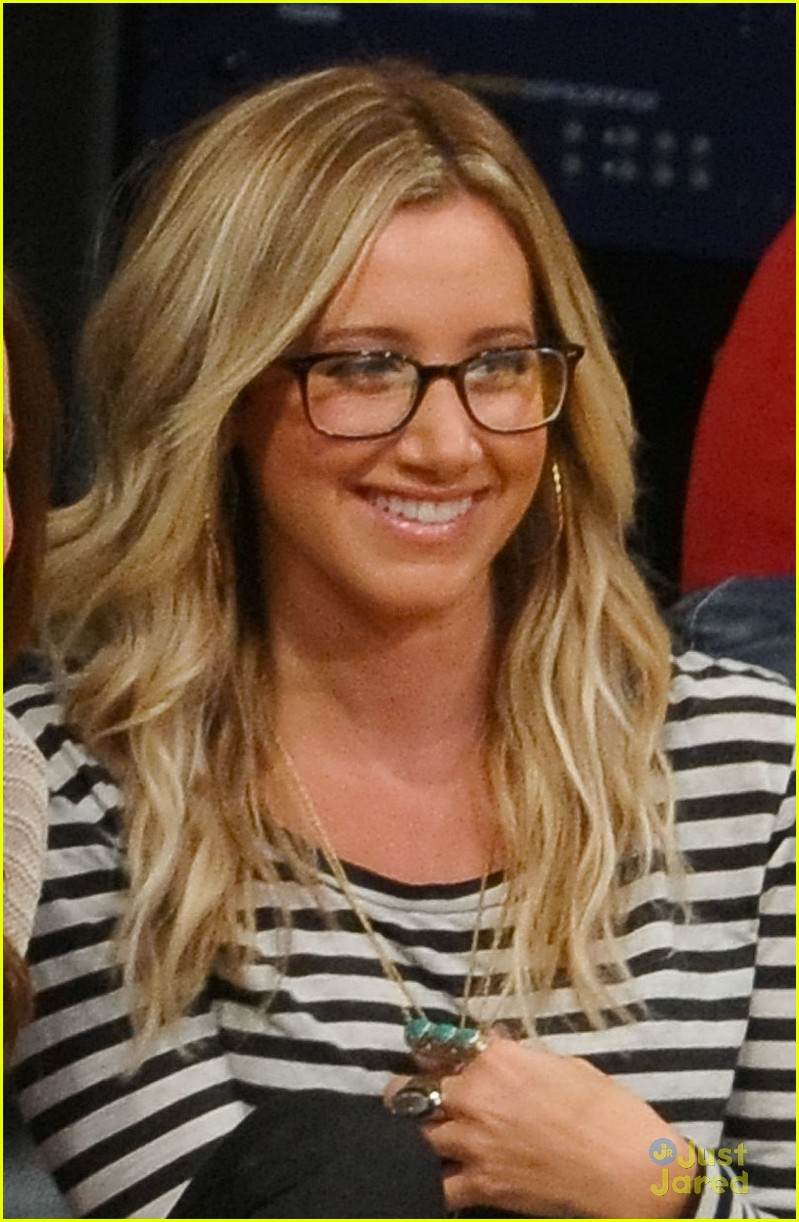 ashley tisdale lakers game 05