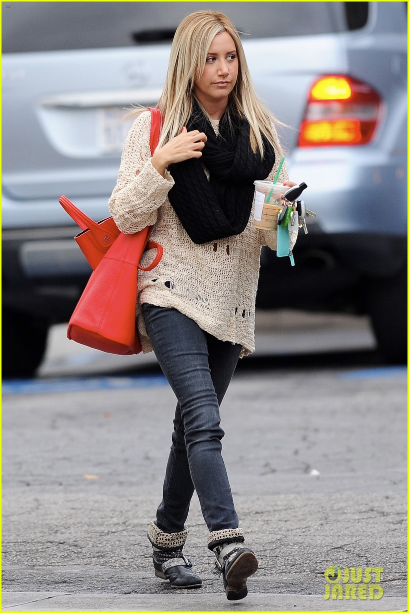 ashley tisdale starbucks studio city 05