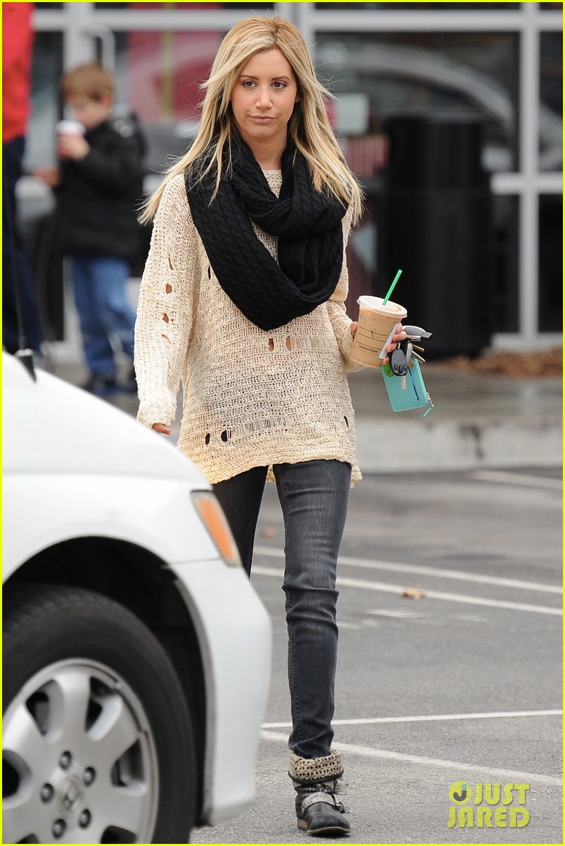 ashley tisdale starbucks studio city 09