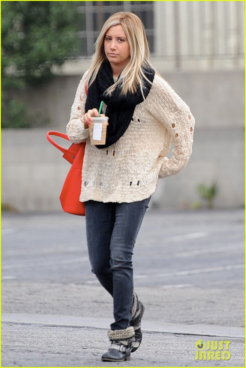 ashley tisdale starbucks studio city 19