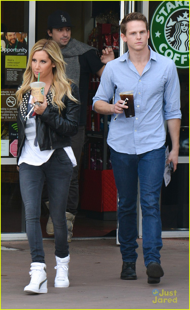 ashley tisdale starbucks trader joes 06