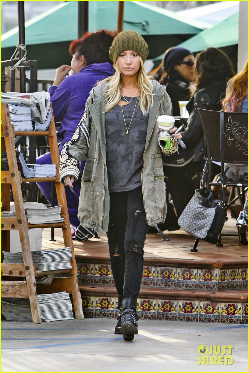 ashley tisdale urth caffe cute 17