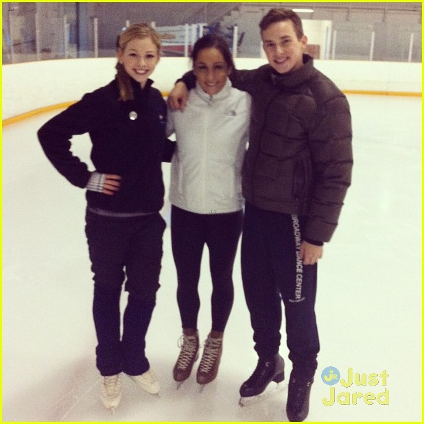 aly raisman jordyn wieber gracie gold skating 05