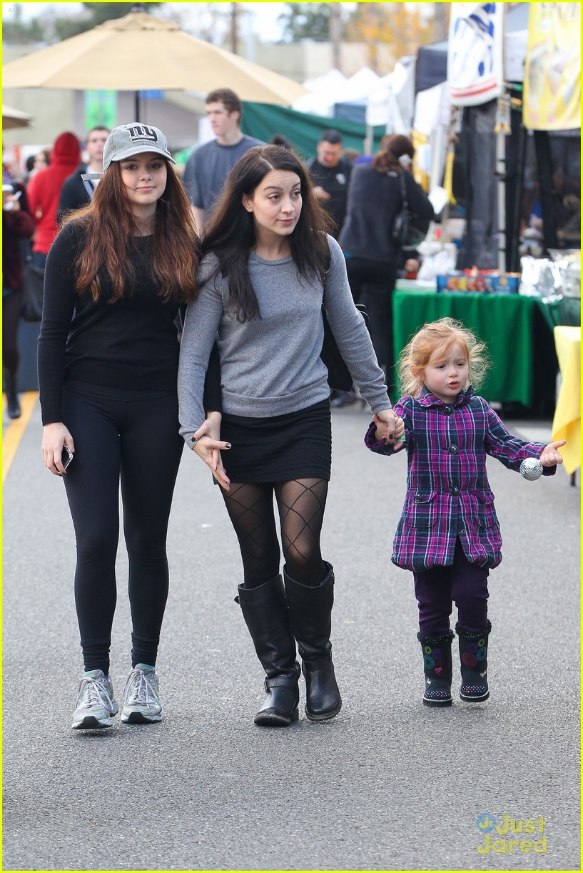 ariel winter slide skylar 10