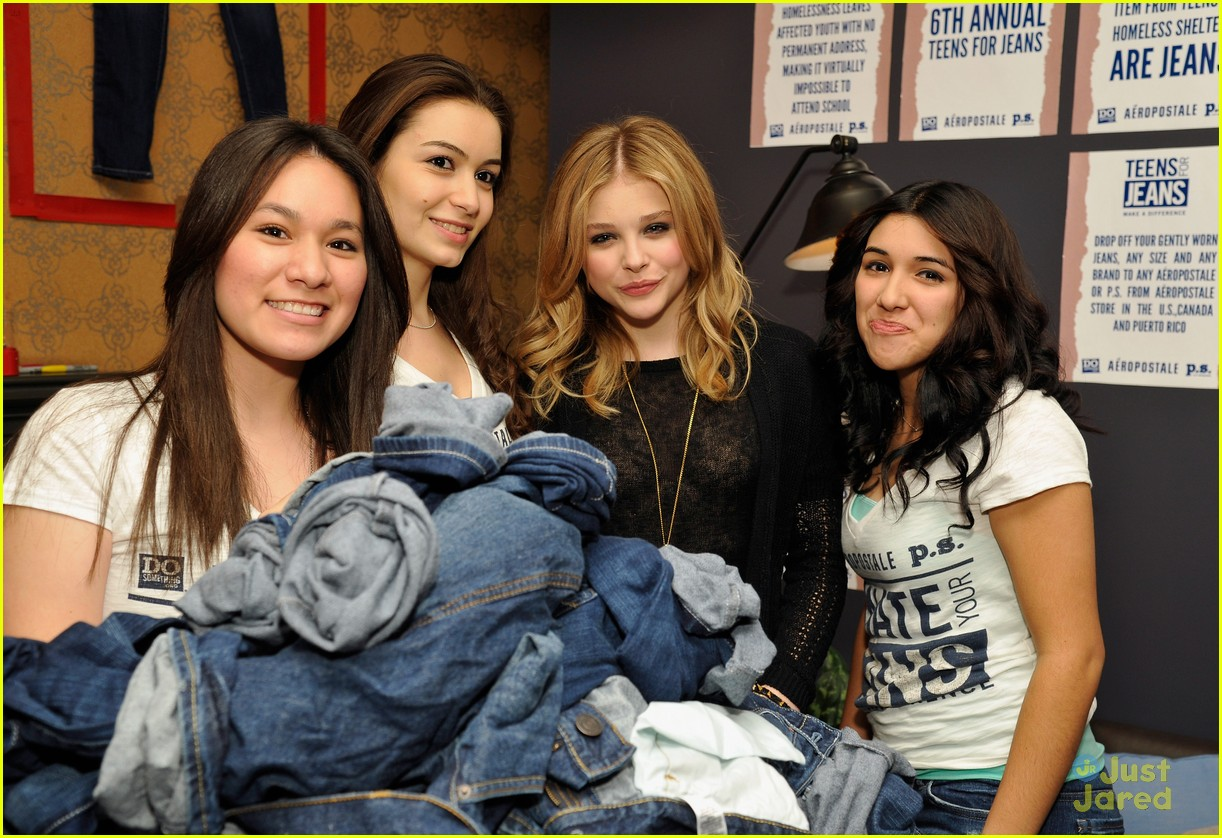 chloe moretz ryan beatty teens jeans 05