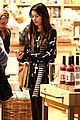 Cosgrove-shopper miranda cosgrove william sonoma shopper 07