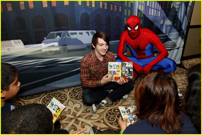 drake bell read with marvel 04
