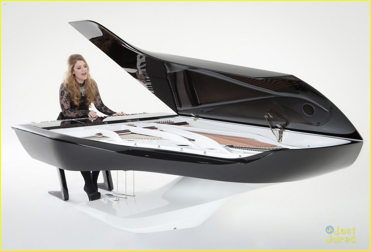 ella henderson peugeot piano 02