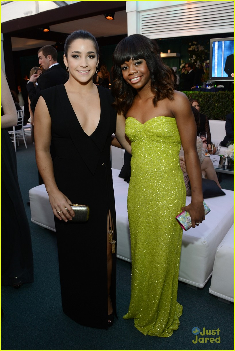 gabby douglas golden globe awards 09