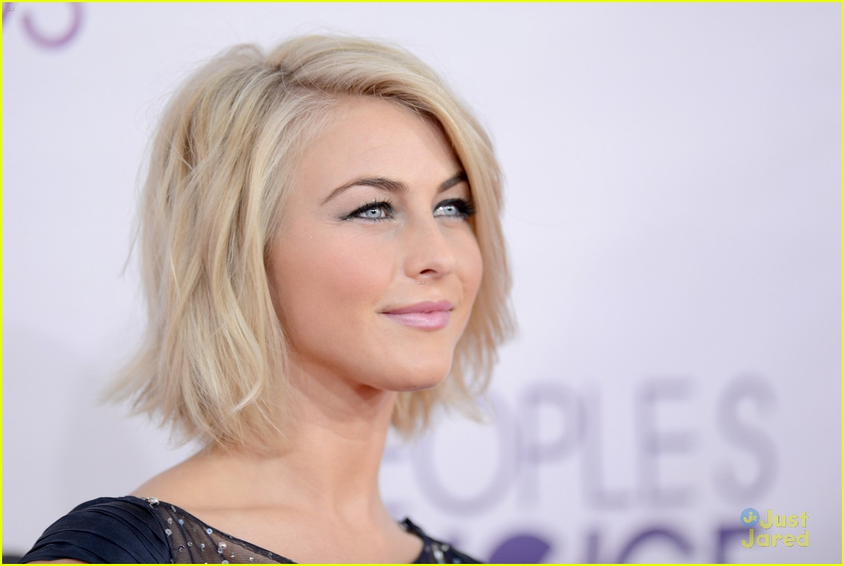 julianne hough pca 2013 14