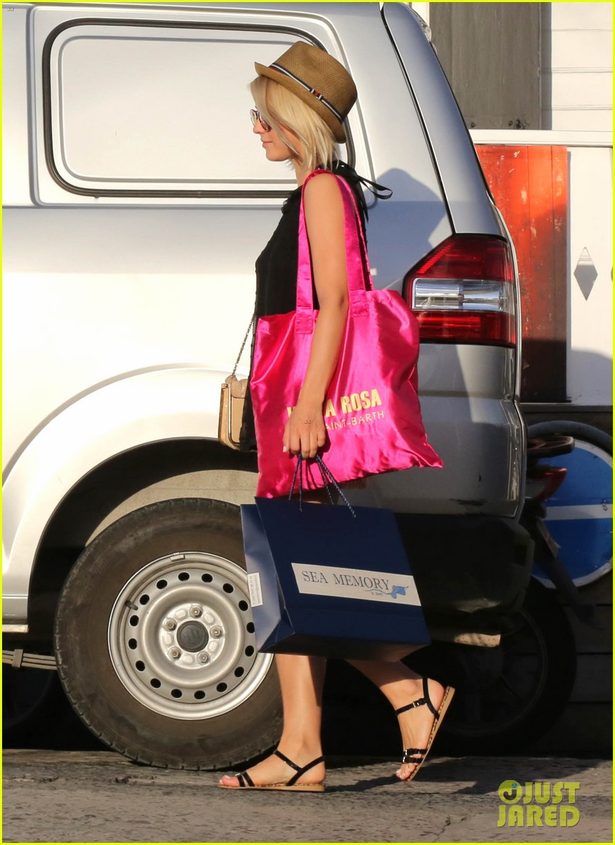 julianne hough st barts shopper 02