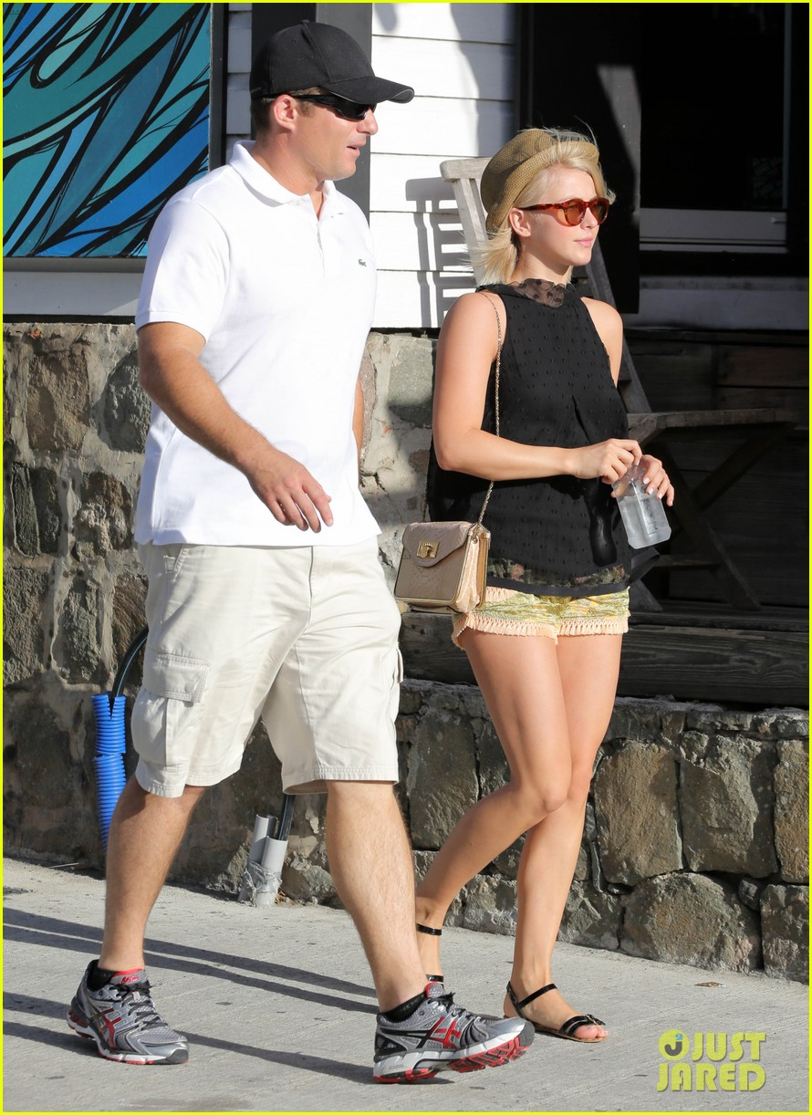julianne hough st barts shopper 12