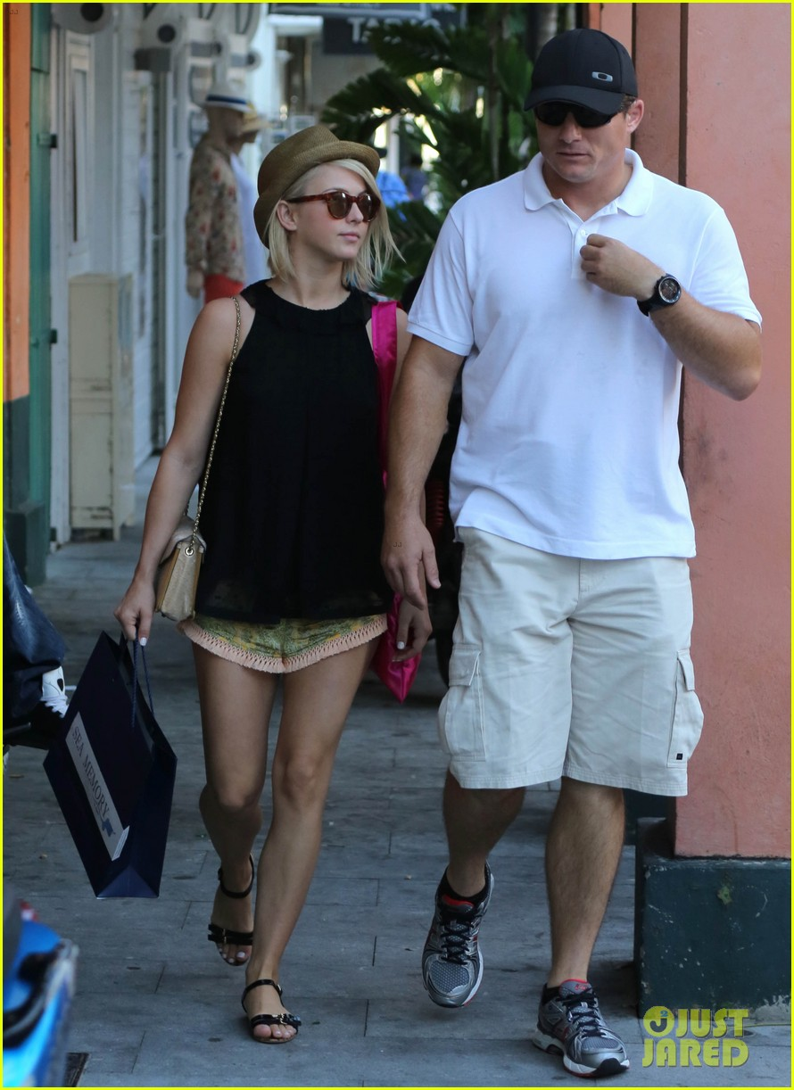 julianne hough st barts shopper 14