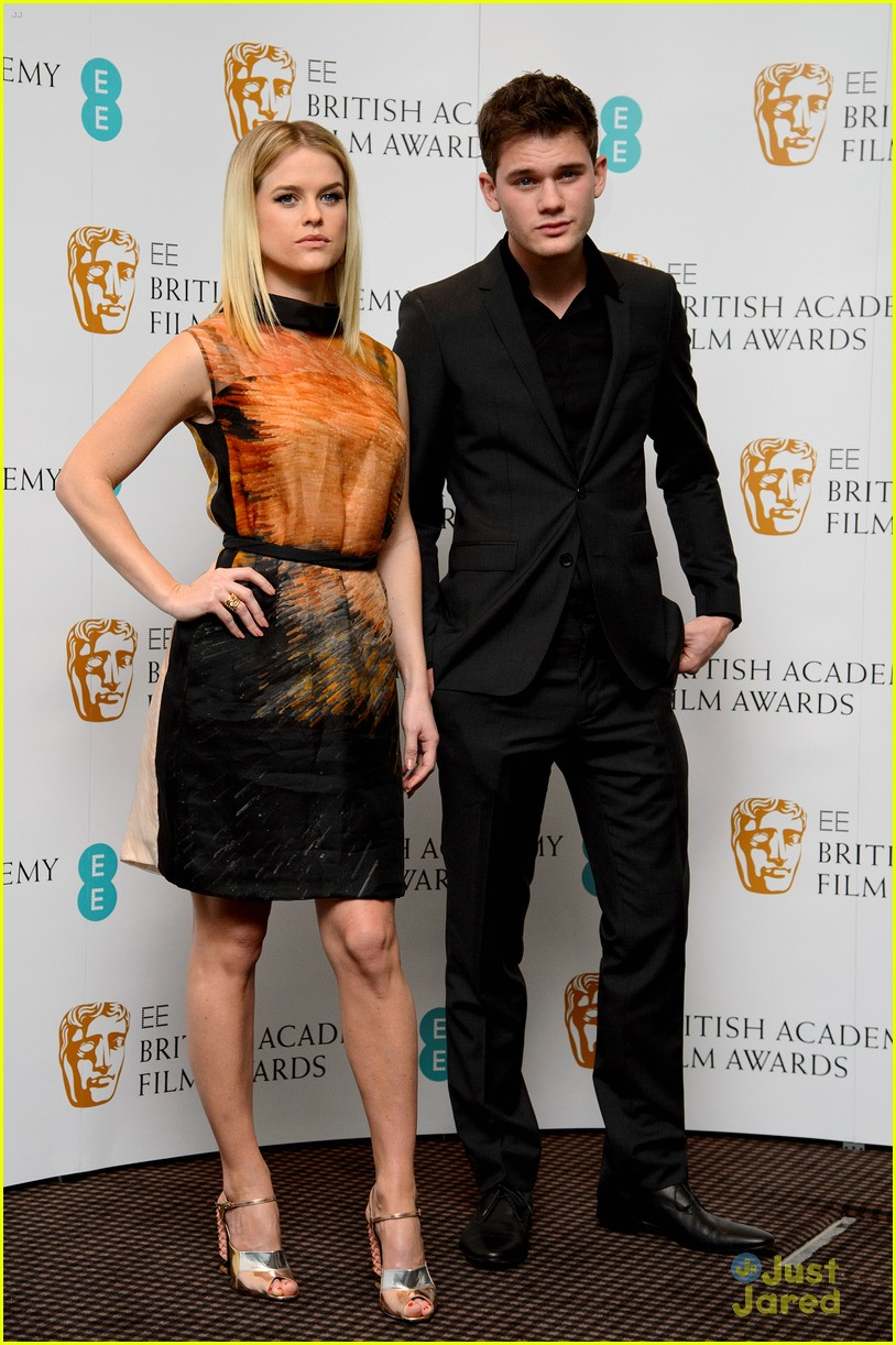 jeremy irvine bafta nominations 01