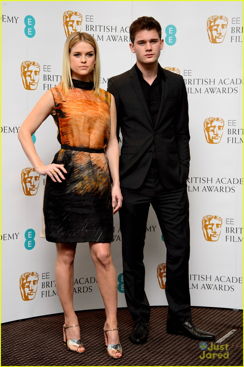 jeremy irvine bafta nominations 05