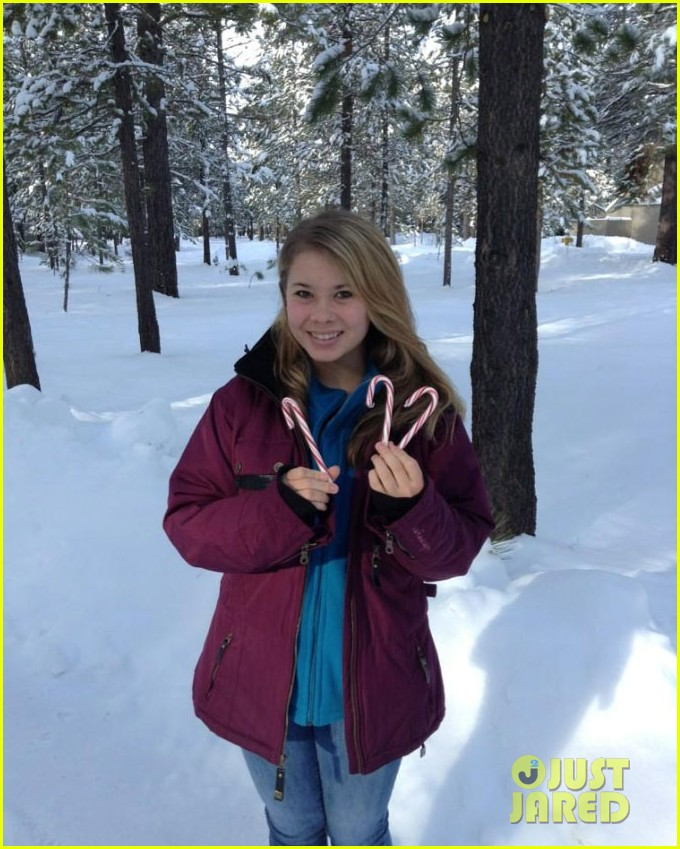 bindi irwin my first snowy christmas 01