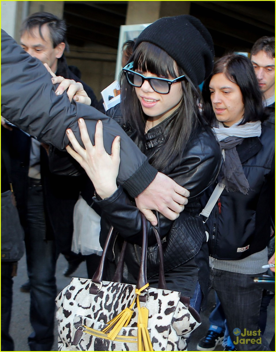 carly rae jepsen nice airport 04