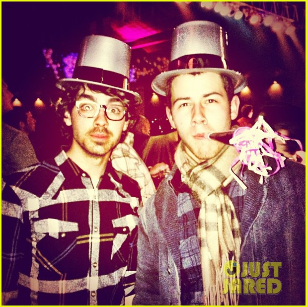 jonas brothers new years eve 01