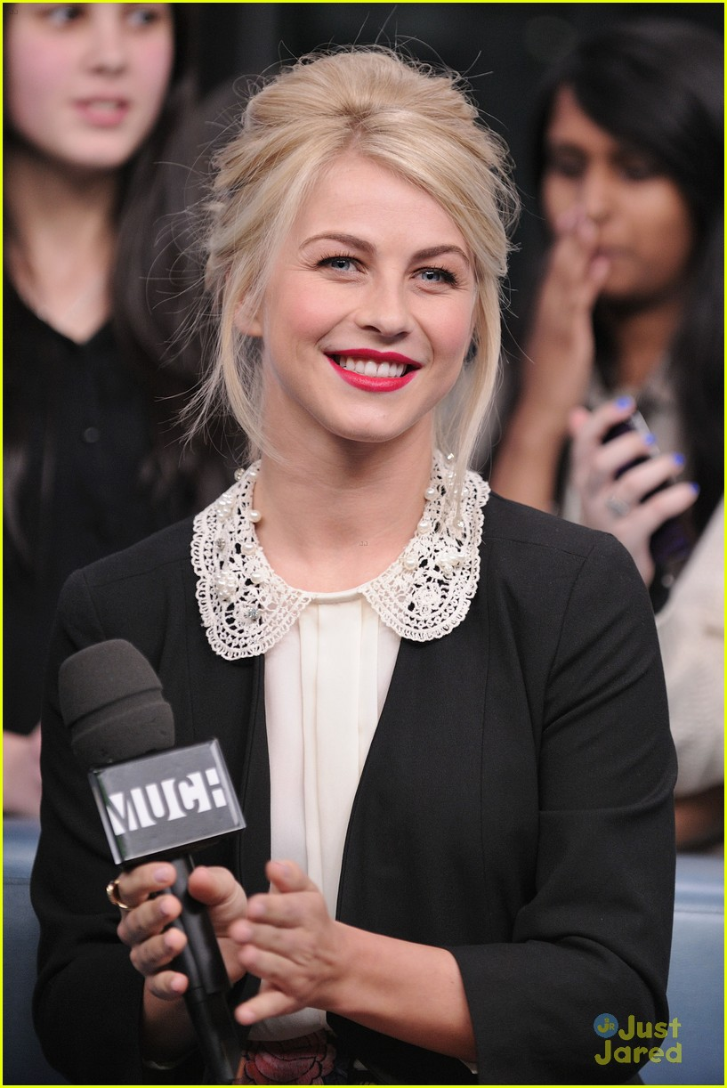 julianne hough nml haven premiere 02
