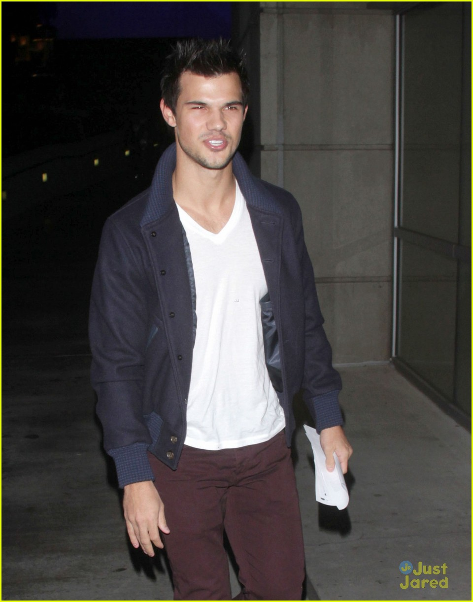 taylor lautner clippers game 03