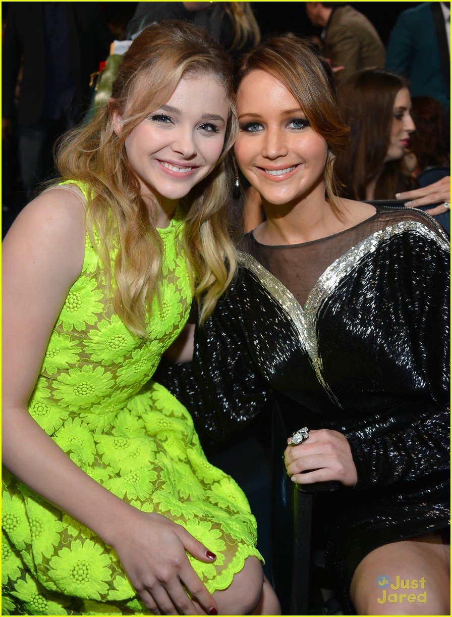 jennifer lawrence pcas 2013 04