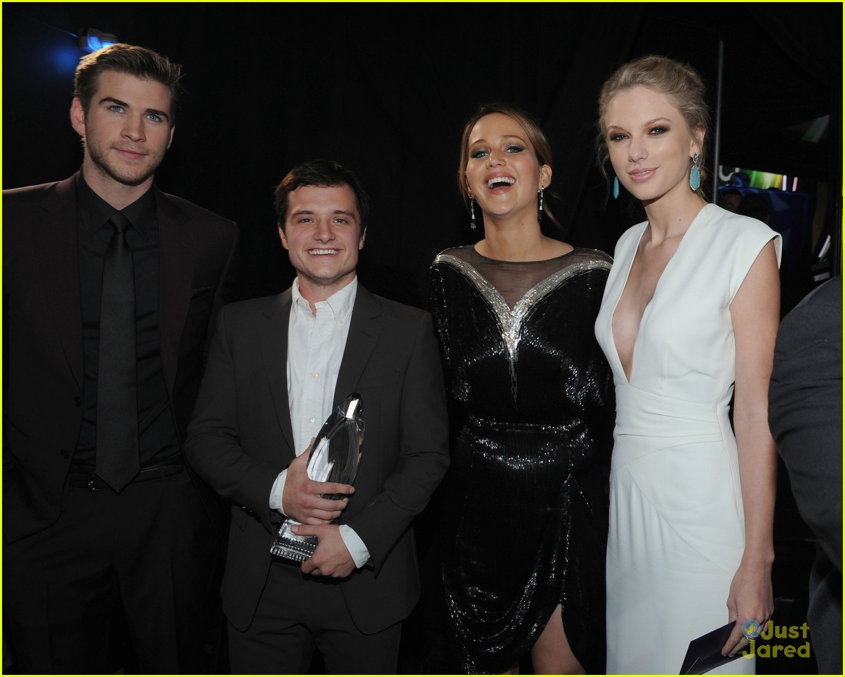 liam hemsworth josh hutcherson pcas 2013 14