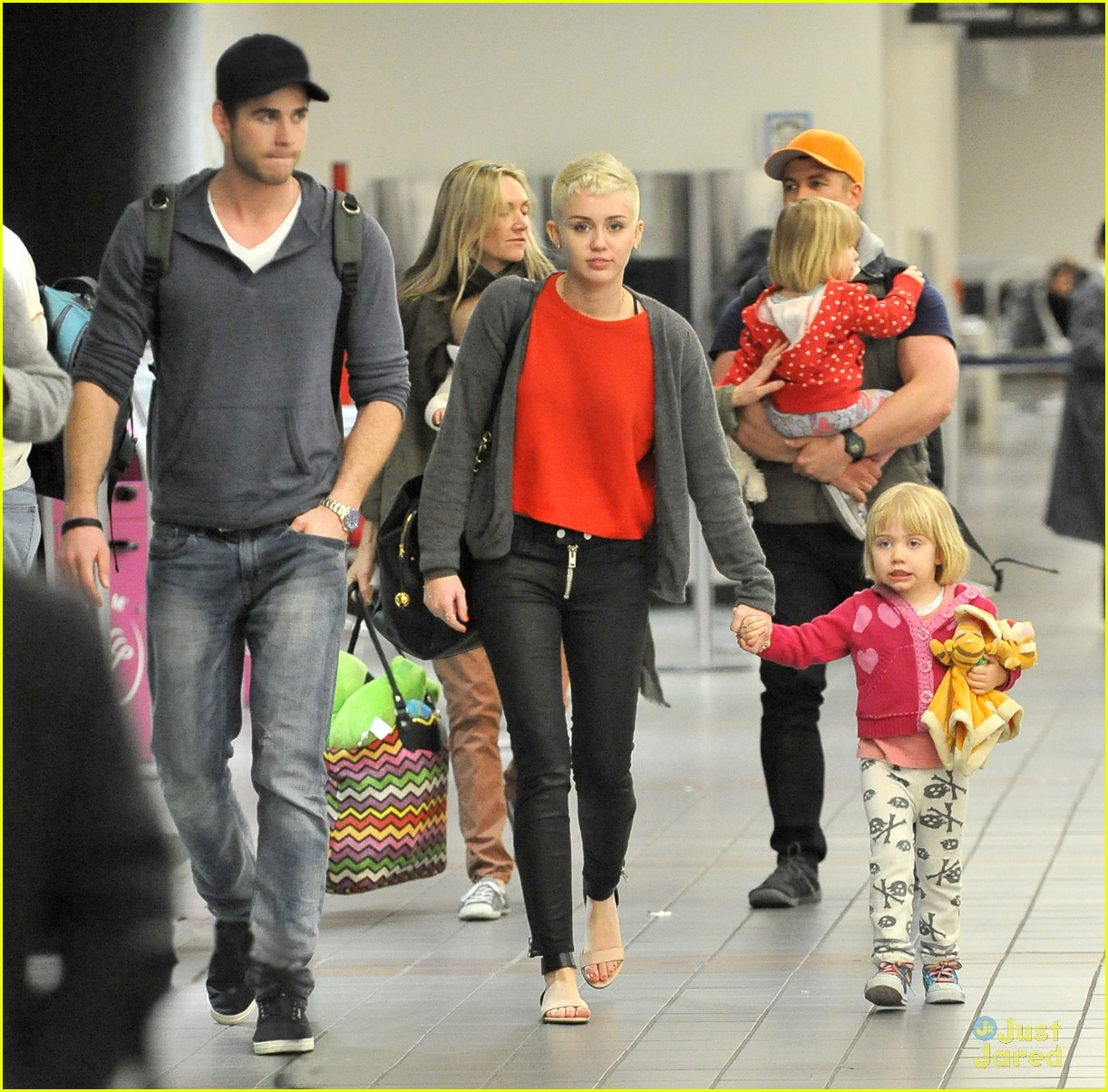 miley cyrus lax liam hemsworth 03