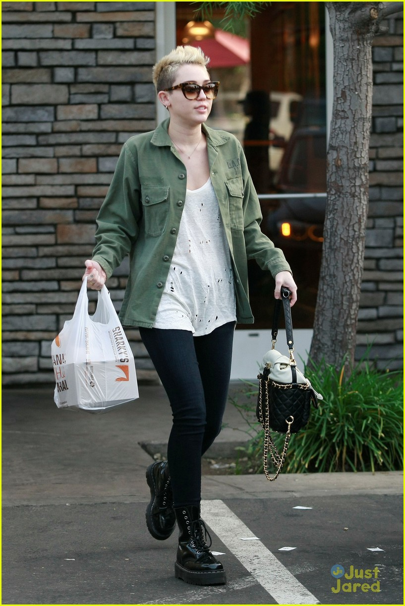 miley cyrus sharkys take out 04