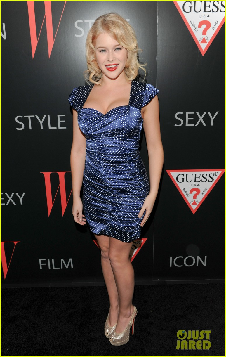 renee olstead christian serratos 30 years of fashion and film red carpet 05
