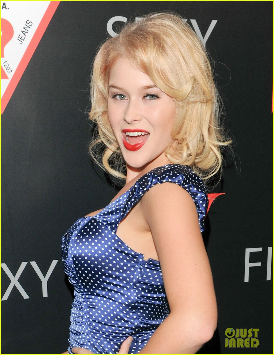 renee olstead christian serratos 30 years of fashion and film red carpet 14