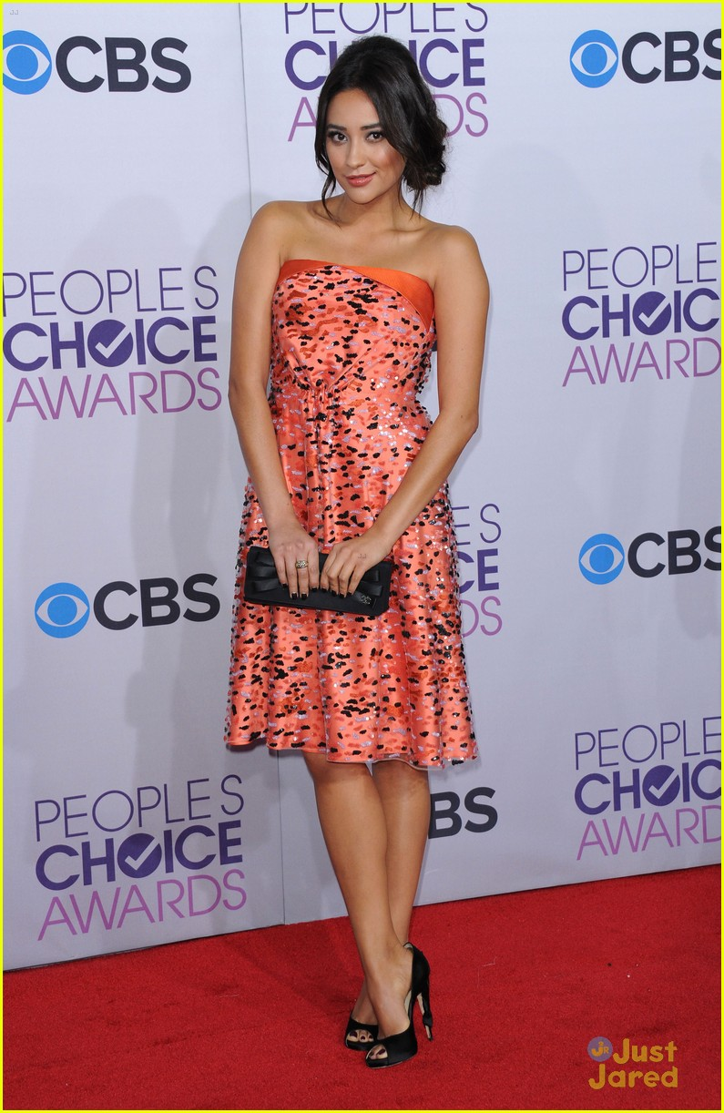 shay mitchell pcas 2013 10
