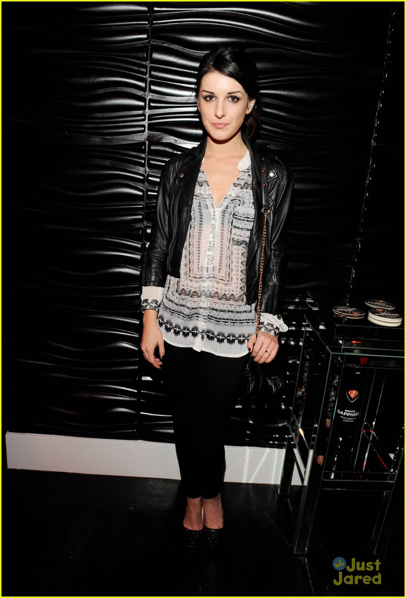 shenae grimes josh beech becks sapphire 01