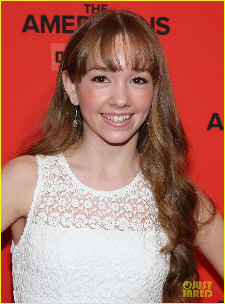 holly taylor the americans premiere 02