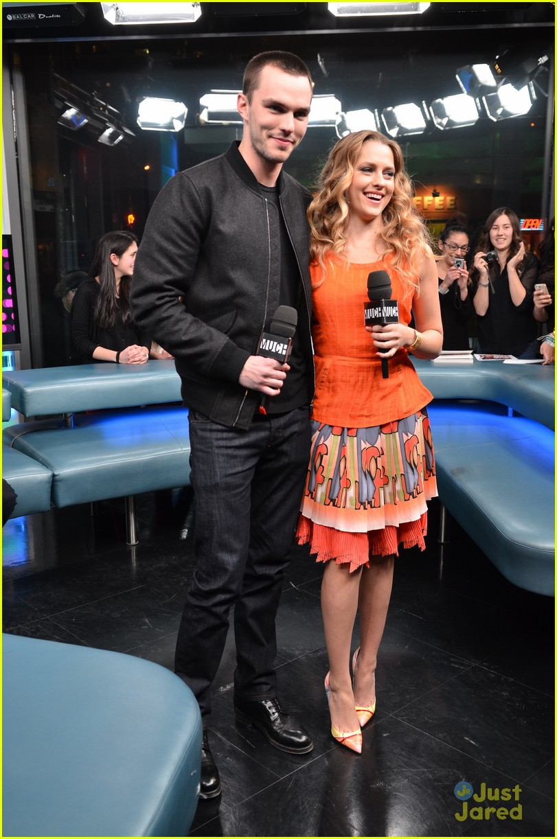 teresa palmer nicholas hoult nml 02