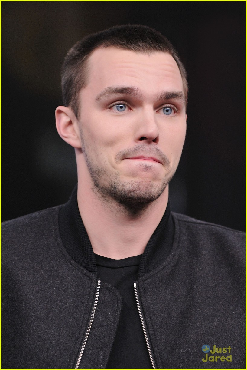 teresa palmer nicholas hoult nml 19