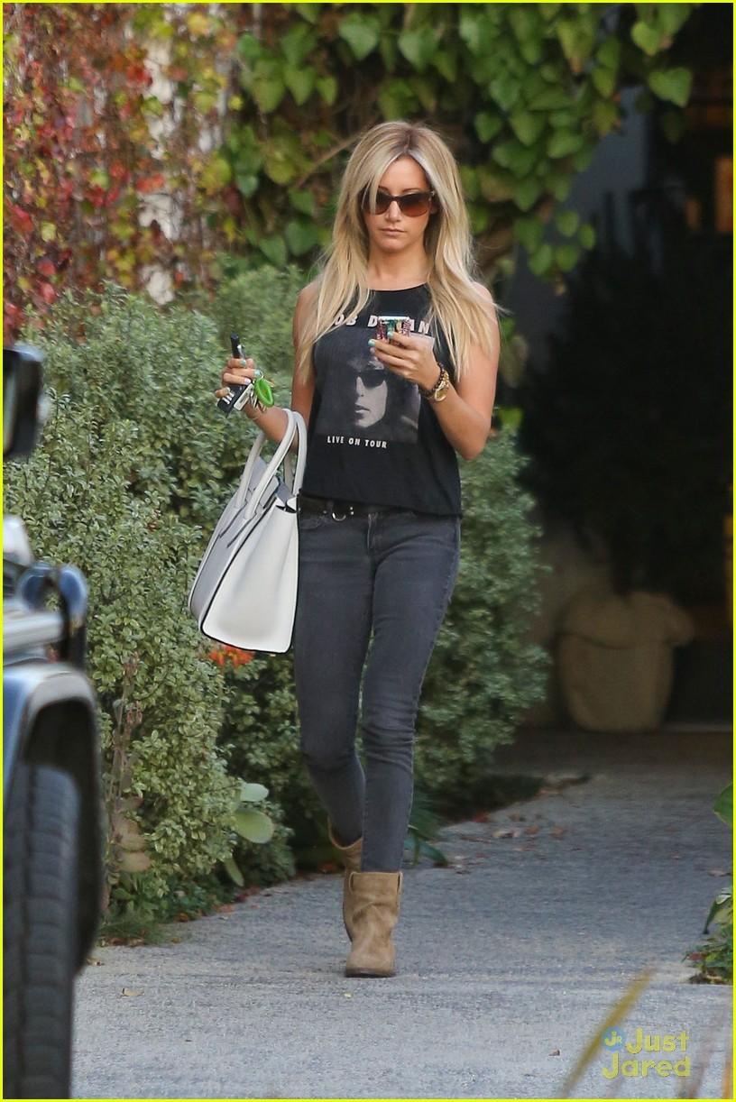 ashley tisdale hair appt 07