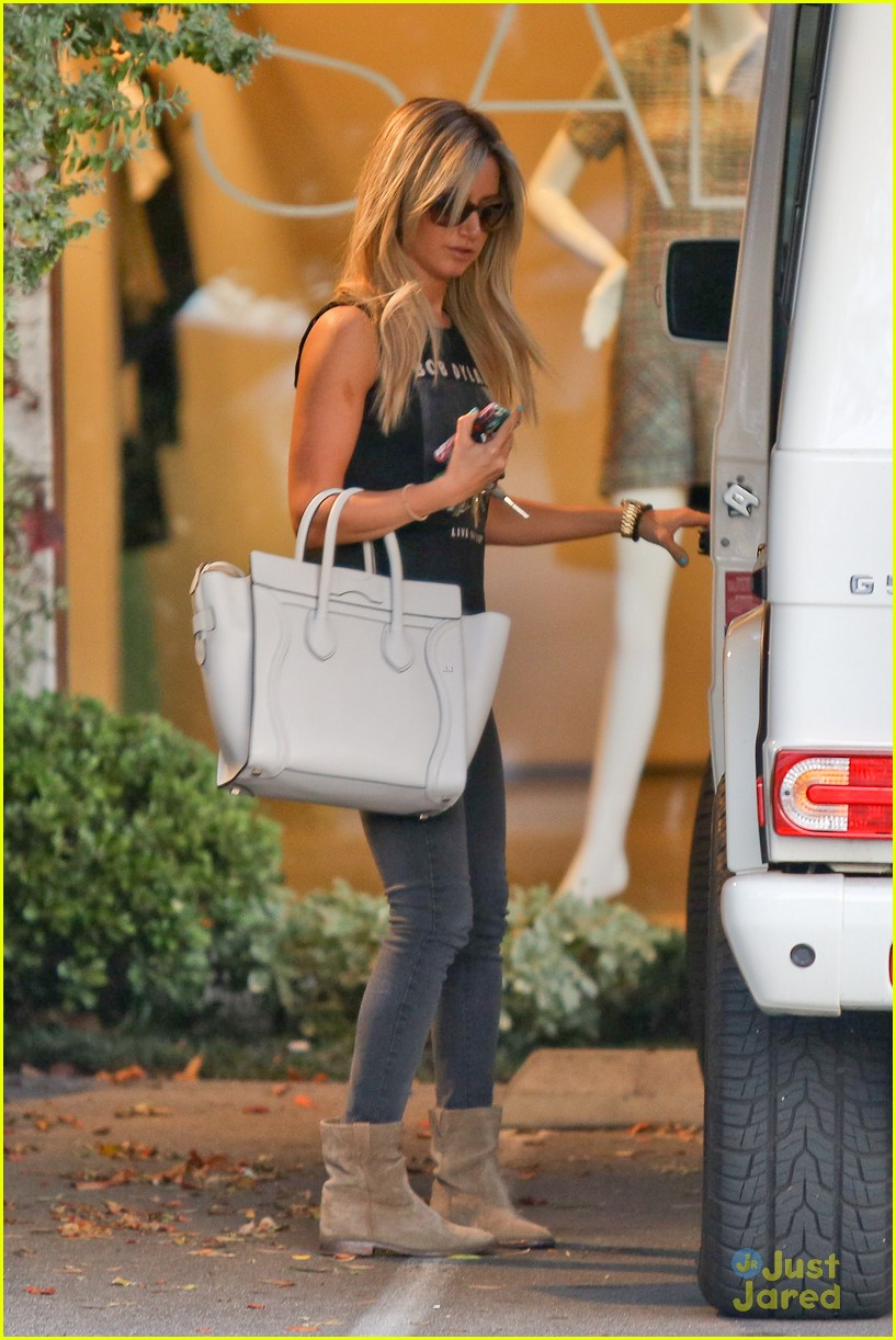 ashley tisdale hair appt 08