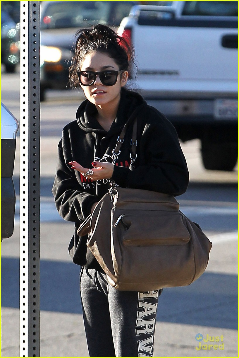 vanessa hudgens dance thursday 04