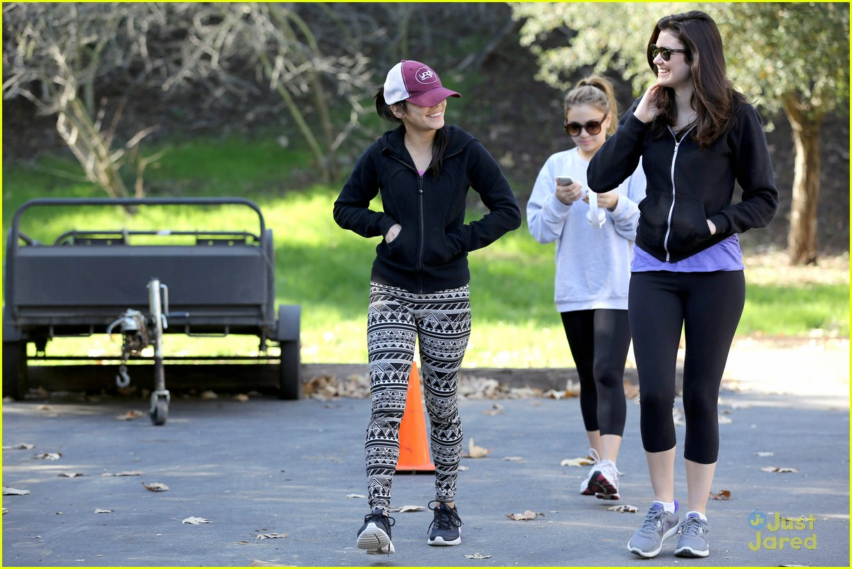 vanessa hudgens hike stella friend 05