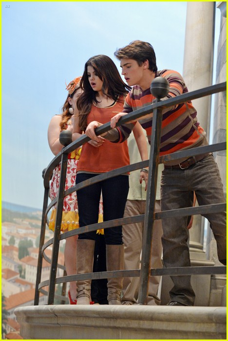 selena gomez wizards return stills 03