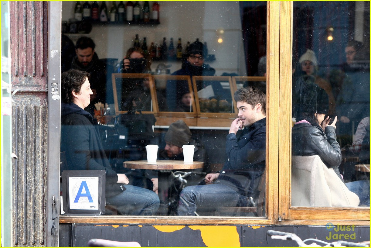 coffee shop online dating Peer inside every coffee shop in any city, and there you will find them:  to act  natural while coping with a case of the online first-meet jitters.