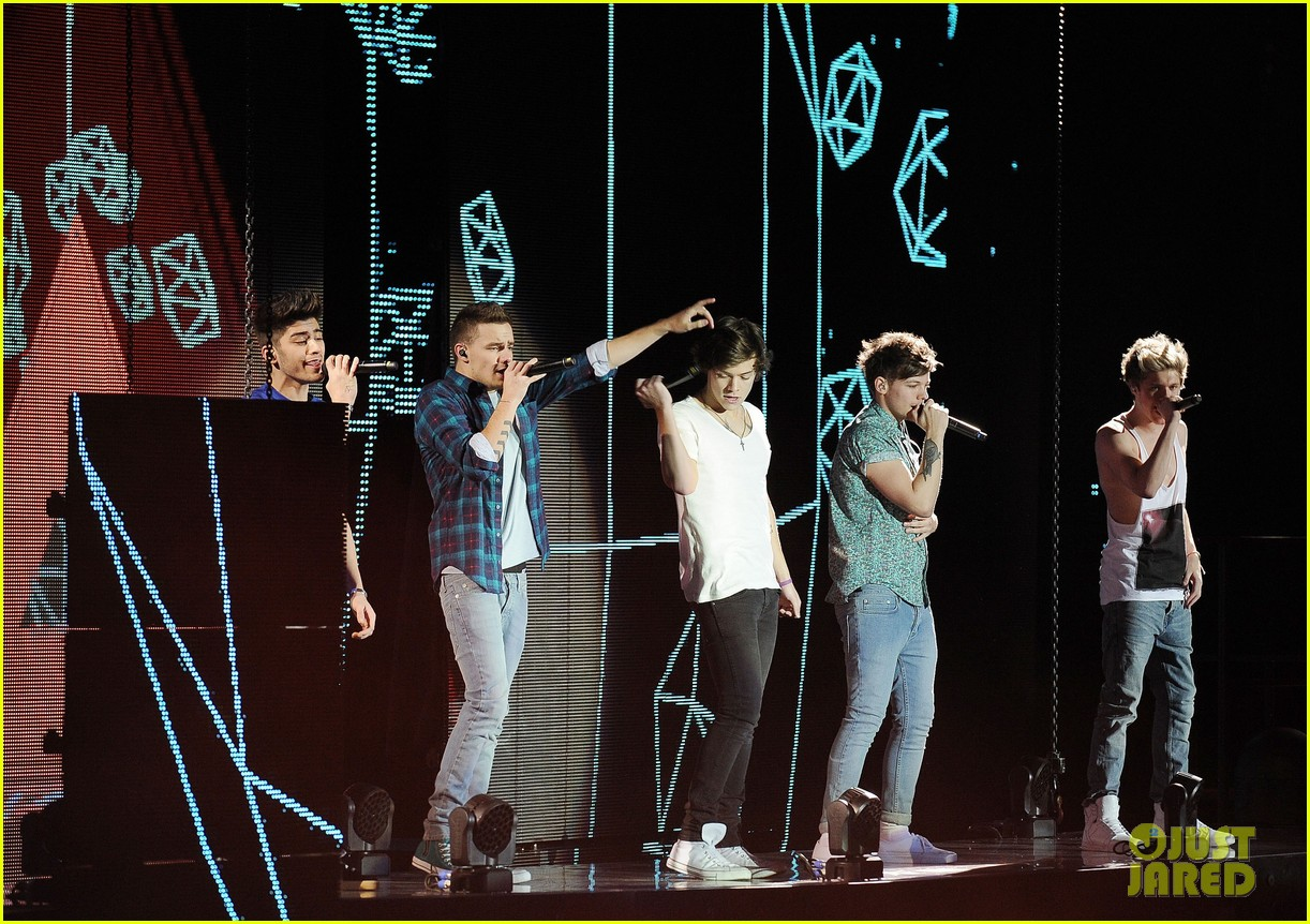 one direction o2 arena performance 50