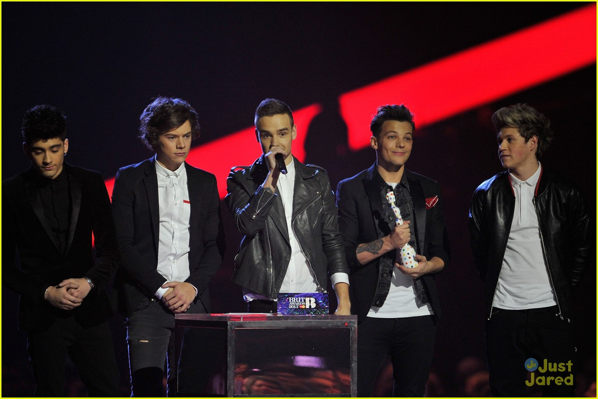 one direction brit awards performance 06