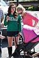Ariel-julie ariel winter julie bowen farmers market meet up 05