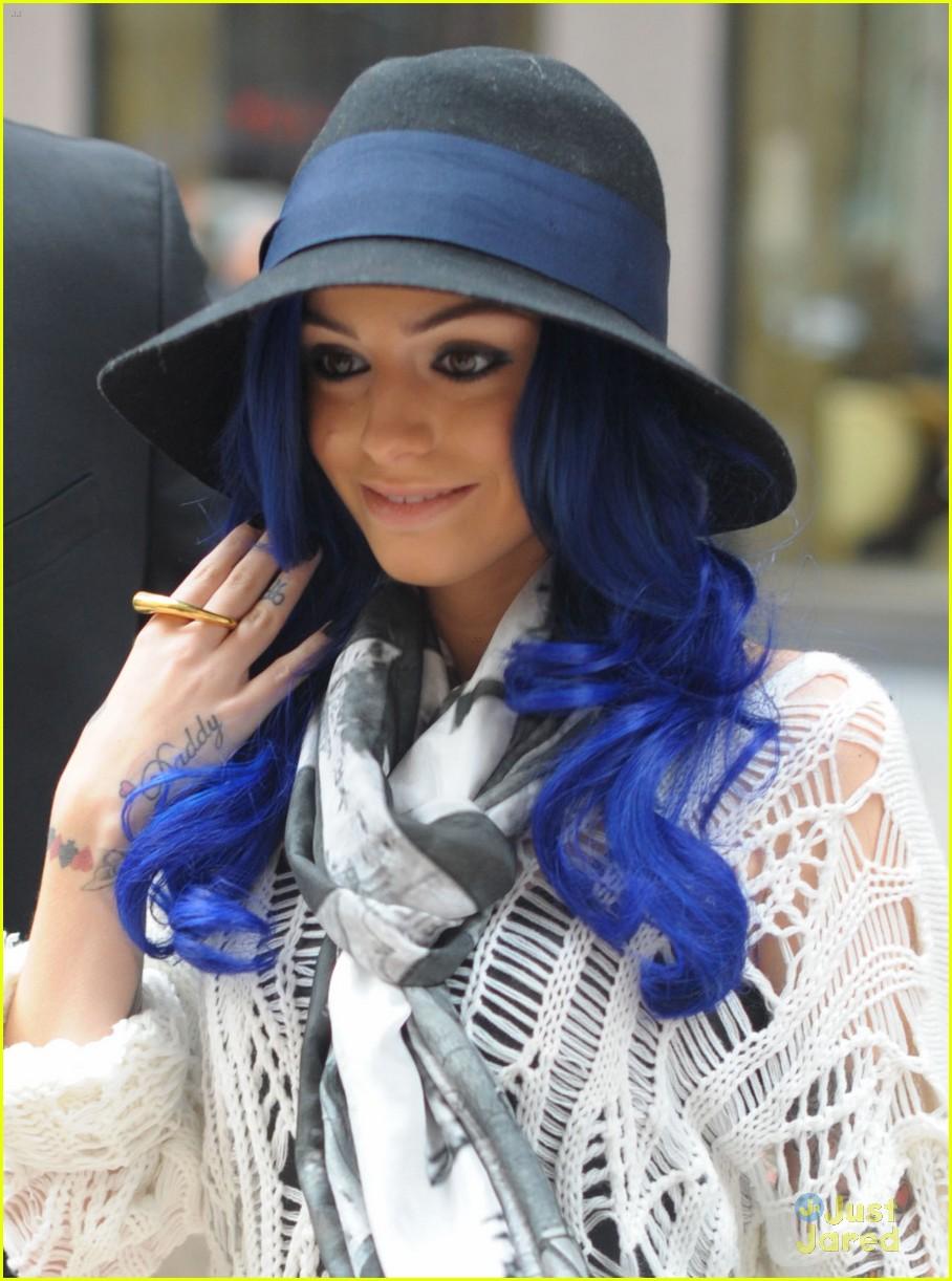 cher lloyd blue tipped hair 03