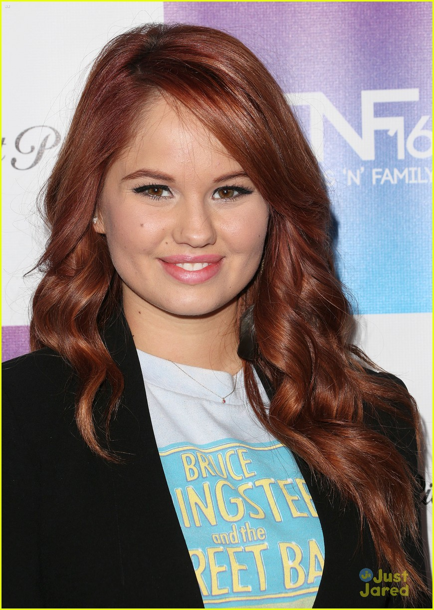 debby ryan megan liz friends pregrammy event 01