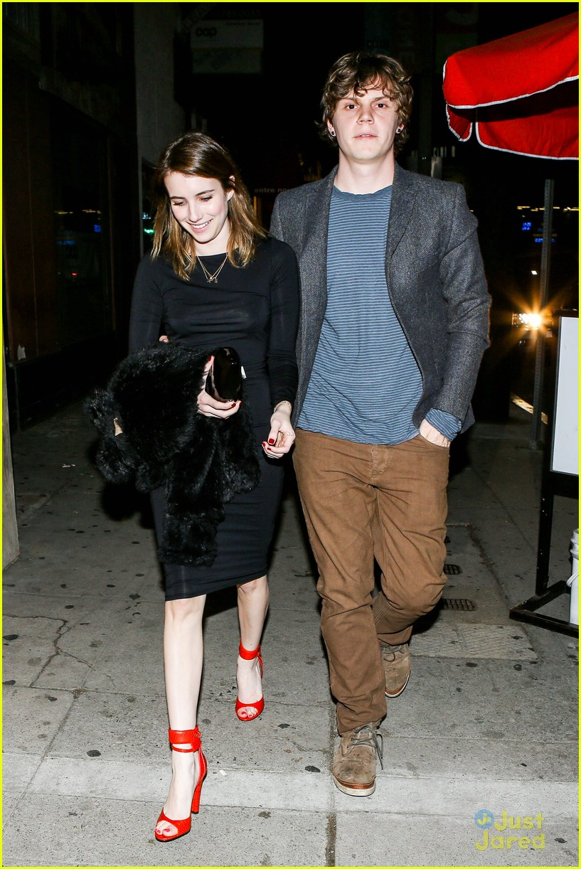 emma roberts evan peters vday dinner 09