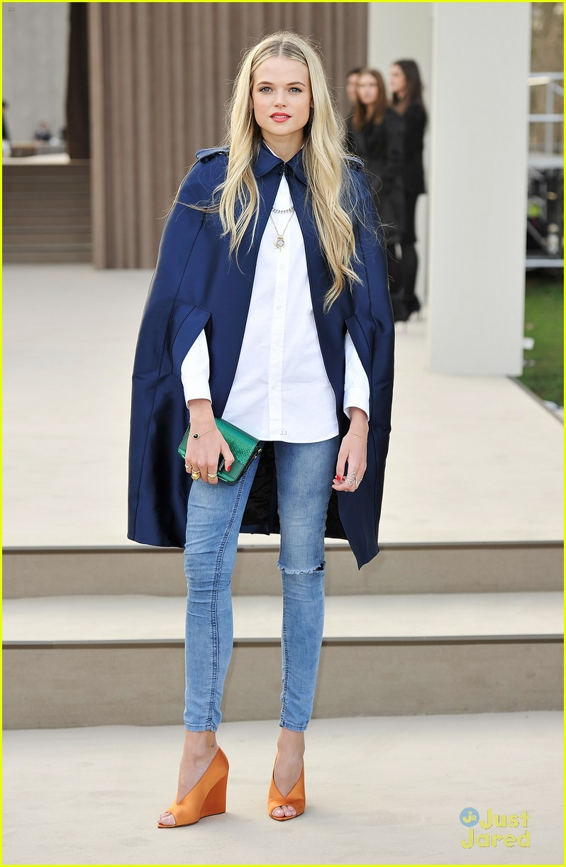 gabriella wilde burberry front row douglas booth 02
